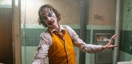 joker-joaquin-phoenix-walk-off-set-jpg-jpeg
